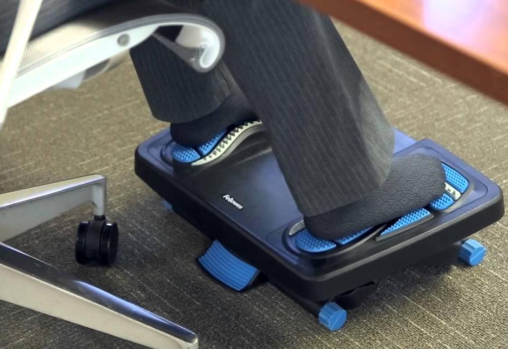 Benefits of Using Footrest Under Desk